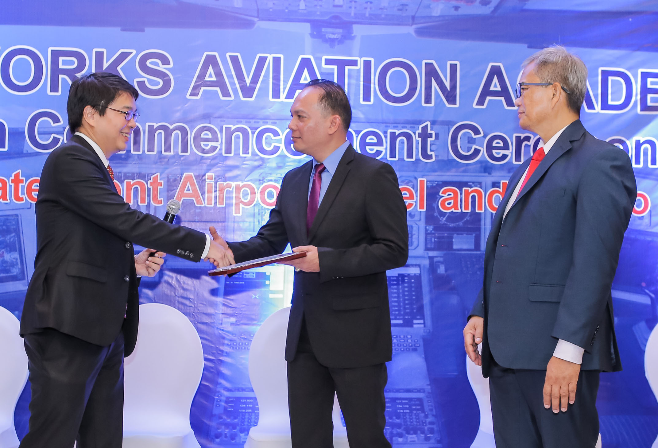 Airworks Congratulates 41 New Commercial Pilots